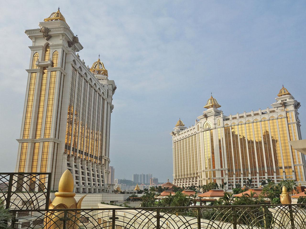 Galaxy Macauが豪華すぎる。流れるプールと砂浜があるホテルが凄い!