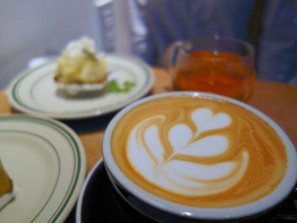 博多駅直結、博多マルイ6階の穴場カフェ。「REC COFFEE」